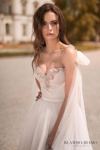 Wedding gown Blammo-Biamo Nora in blush colour