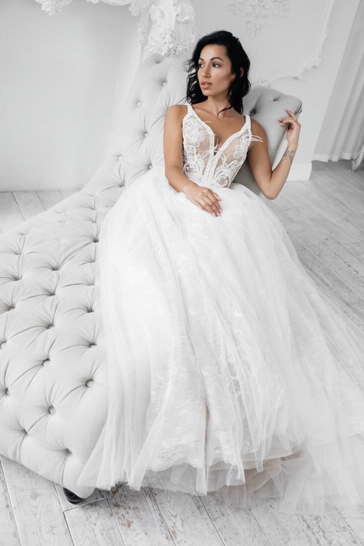 Wedding gown Rara Avis Neital in white color