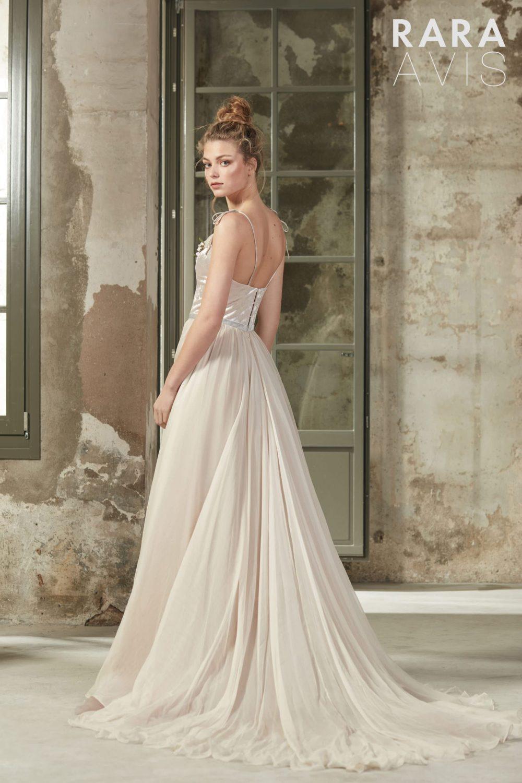 Wedding gown Rara Avis Deia