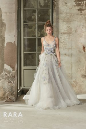 Wedding gown Rara Avis Selbi