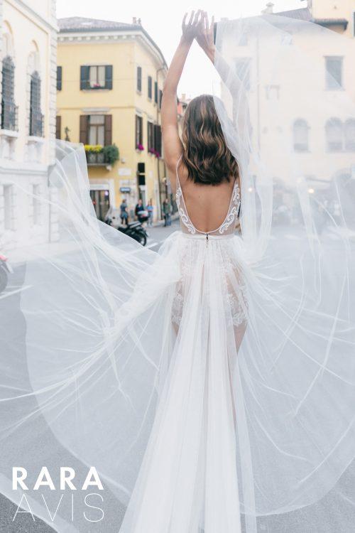 Wedding gown Rara Avis Timeia