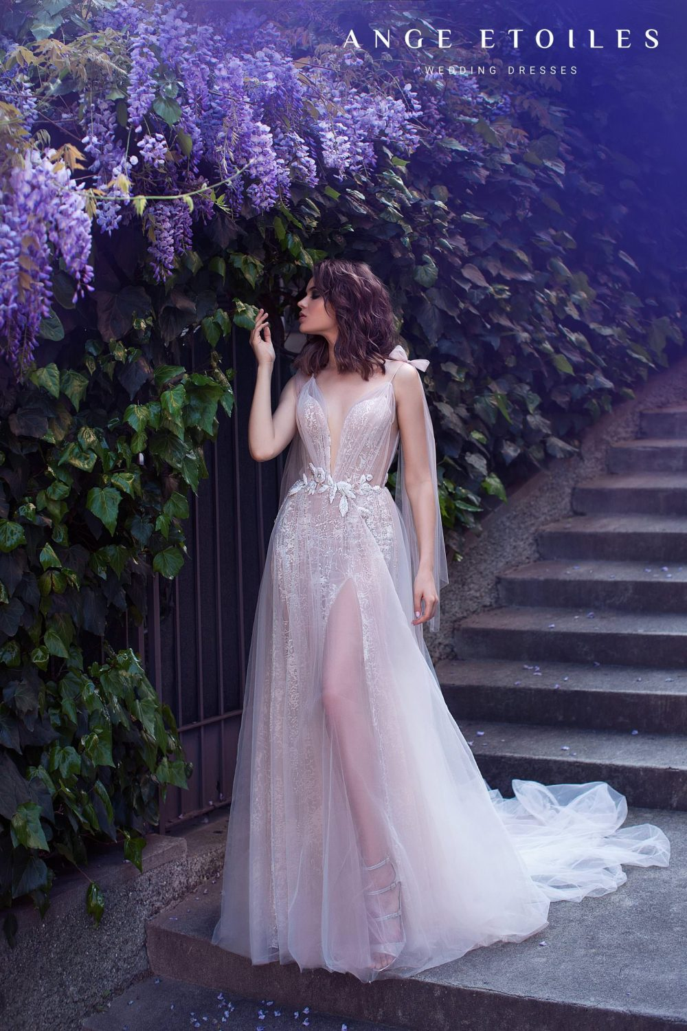 Weddin gown Ange Etoiles Afina with a slit