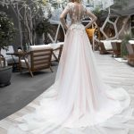 Wedding gown Strekoza L'uvetta