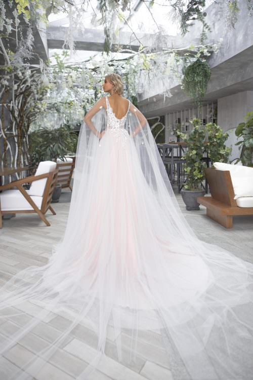 Wedding gown Strekoza Trinita