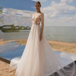 Wedding dress Strekoza Alba