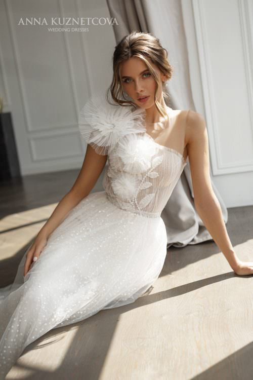 Wedding dress Juli by Anna Kuznetcova
