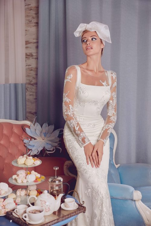 Fitted white long sleeve wedding dress Kassandra by Rara Avis Group