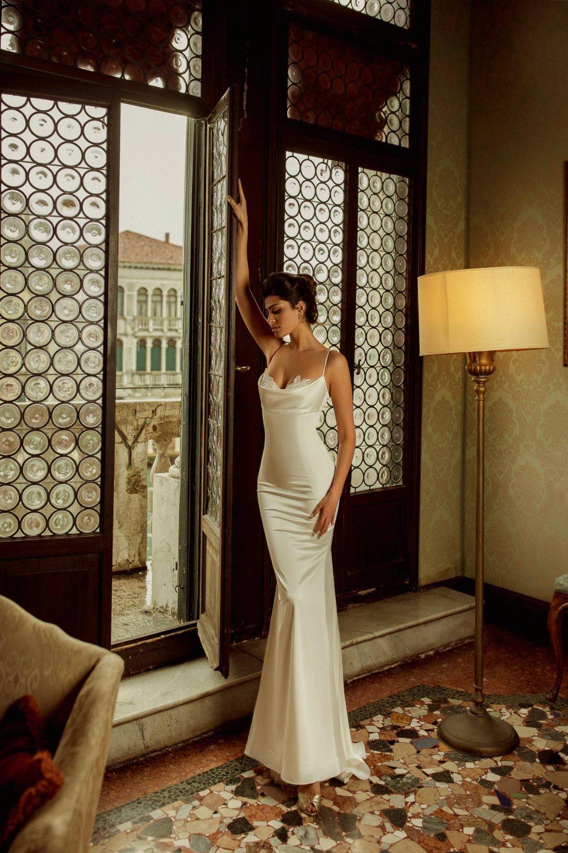 Fitted satin ivory wedding dress Fey by Rara Avis