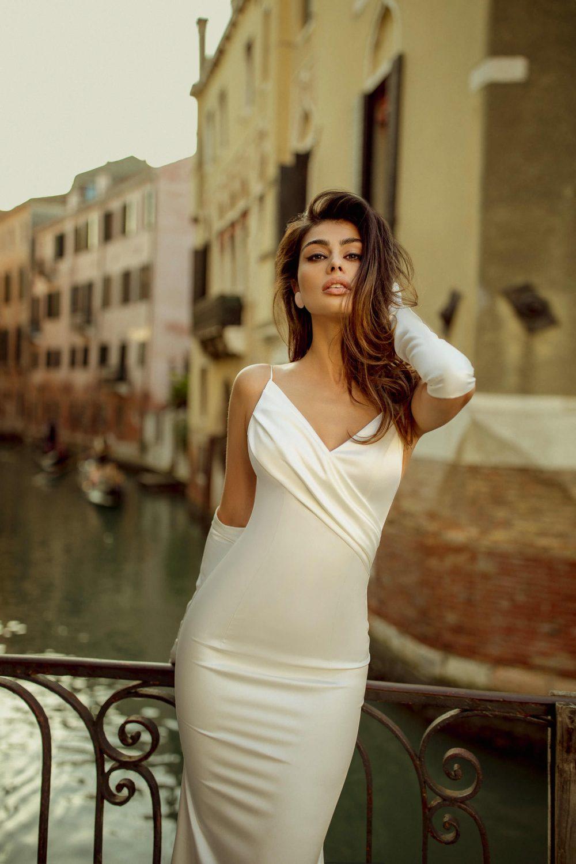 Fitted satin wedding dress Frea by Rara Avis