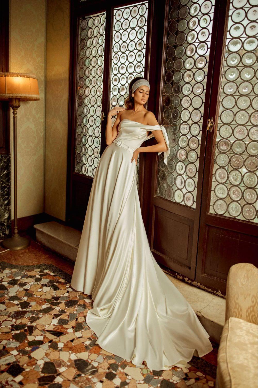 One-shoulder white satin A-line wedding dress Sibi by Rara Avis