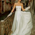 A-line strapless sleeveless wedding dress Violetta by Rara Avis